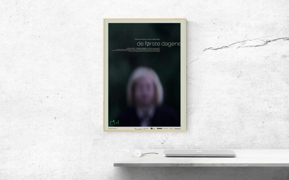 PKR Design med De første dagene - Filmplakat og T
